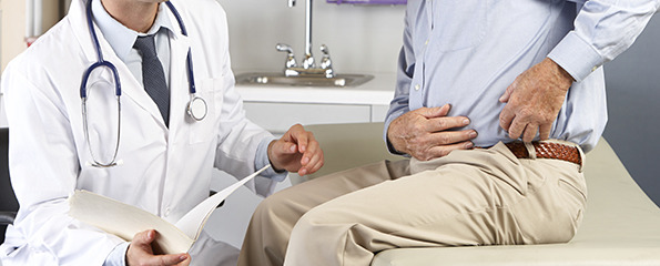пациент-жалуется-на-боль-в-бедре