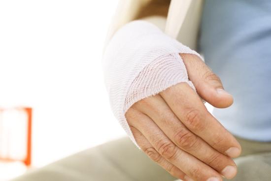забинтованная-рука